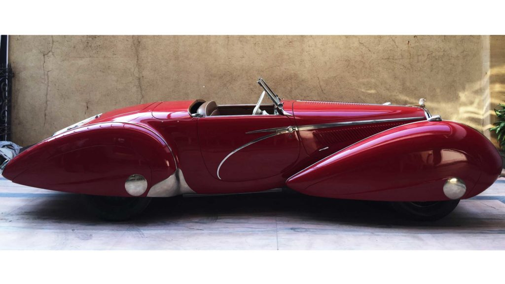 Side view of low roofline and other streamline features on Delahaye 135MS 1939, Photo Credit: Karl Bhote